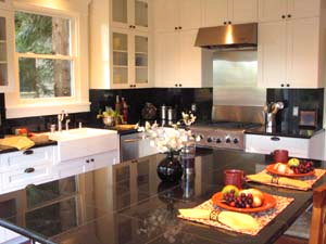 Home Staging Kitchen 2